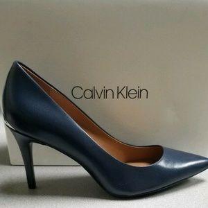 Calvin Klein Women's Navy Gayle Kid Skin